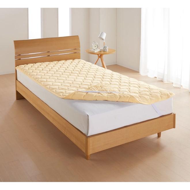 布団を包めるなめらか毛布シリーズ リバーシブル敷きパッド 敷きパッド マイクロパフの暖か面と綿シャーリングのサラサラ面でふんわり中わたをサンド。リバーシブルで使えます。