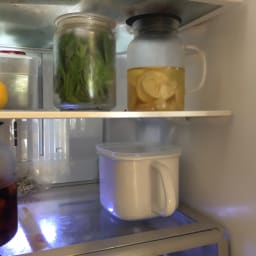 富士ホーロー ホーロー 角型みそポット N-KP 角型なので、冷蔵庫もすっきり。
