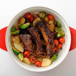 BRUNO ブルーノ グリルポット コンパクトながら最大2Lのたっぷり容量で、家族みんなの食卓からパーティーシーンまで対応。