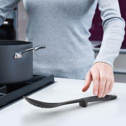 JosephJoseph/ジョセフジョセフ エレベートカルーセルセット グレー 先端が調理台に設置しないので衛生的。