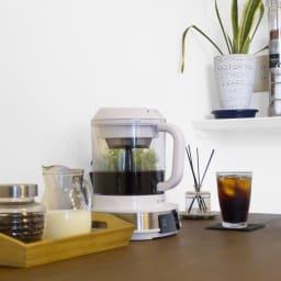 リヴィーズ 電動水出しコーヒーメーカー 5)設定時間が経過すると自動でストップし、抽出が完了します。味の調整をしたい場合、お好みで10分間程追加抽出、というような使い方もできます。