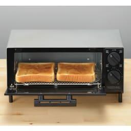 トーストが美味しいコンパクトミラーオーブントースター トーストが2枚焼けます。