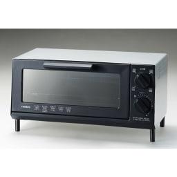 トーストが美味しいコンパクトミラーオーブントースター 前面は熱を反射して焼きムラを軽減するハーフミラー仕様。