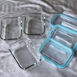 グラスコンテナ4点ロック式 耐熱ガラス保存容器 3個セット シリコンパッキンつきのフタで4か所ロック。