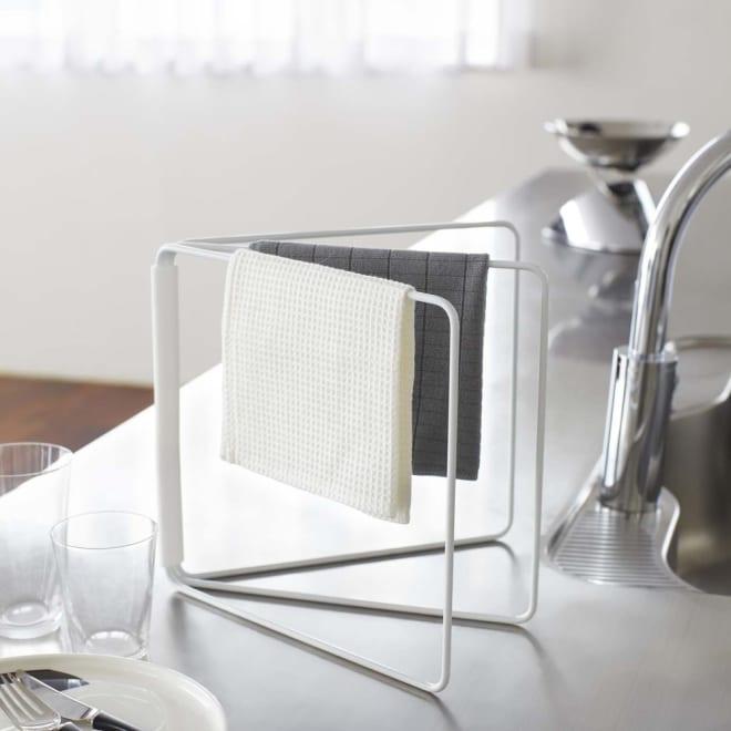 折り畳み布巾ハンガー タワー 使用イメージ(ア)ホワイト