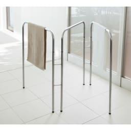 コンパクト設計ステンレス製バスタオルハンガー 3連 バスタオルが一度に3枚干せる3連タイプ。