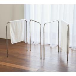 コンパクト設計ステンレス製バスタオルハンガー 4連 バスタオルが一度に4枚干せる4連タイプ。たくさんタオルを干したいご家庭におすすめです。