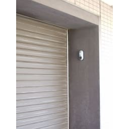 玄関やロッカーの防犯対策にもなるリーベックスmicroSD記録式センサーカメラ 【電池&SDカードセット品】 屋外で使用する際は、軒下など、直接雨がかからない場所での使用をお願いいたします
