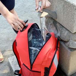 EX.48 サバイバルローラーバッグ ニューコンパック 貯水タンク付き。バッグ内にある貯水容量最大約14L(運送時約11L)のビニールタンク入り