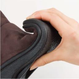 ARCOPEDICO/アルコペディコ ムートン調ブーツ 半分に折り曲げられるほどに返りのよい靴底。