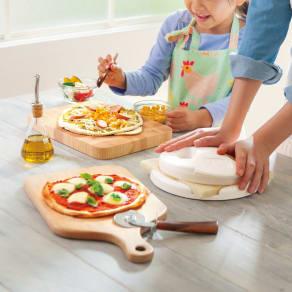食パンからピザを作る【PAN DE PIZZA パンデピザ】 写真