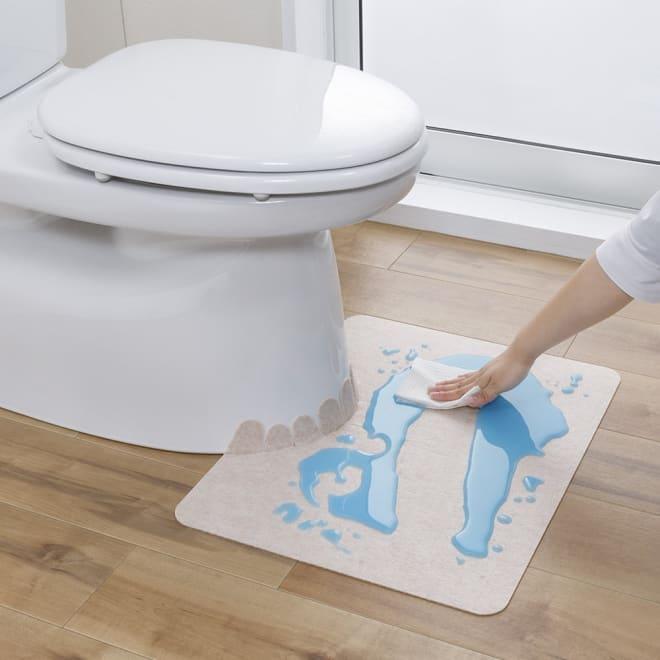 汚れが拭ける消臭トイレマット ショート無地 使用イメージ(ア)ベージュ