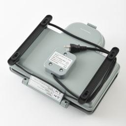 BRUNO  ムーミン ホットサンドメーカー ダブル(2枚焼き) 電源コードは底面に巻き付けられるのでスッキリ。