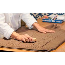 Freddy Leck/フレディレック 毛玉取り用 クロスブラシ ハード 日本独自の技術で、先端がT字に加工された毛先が衣類の毛玉を絡め取ます.