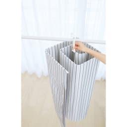 シーツやバスタオルをコンパクトに干せる!スリムくるくる洗濯ハンガー フックをバーにかければお洗濯が一気に快適に!