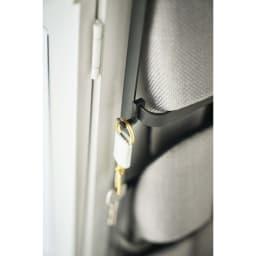 Tower/タワー 引っ掛け式スリッパラック  鍵などを下げられるフック付き。
