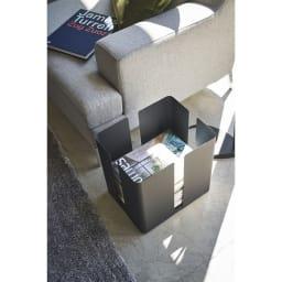 Tower/タワー キャスター付きニューズラック スタイリッシュなデザインでお部屋の雰囲気になじみます。