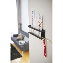 Tower/タワー 神札ホルダー 付属の木ネジで壁に簡単に取り付けができます。