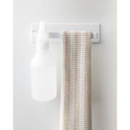Tower/タワー マグネット バスルームタオルハンガー マグネットが付く浴室壁面に簡単取り付けのタオルハンガーです。