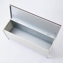 ペットボトルが箱ごと入る 薄型収納ベンチ 幅90cm 収納庫の耐荷重は約20kgなので、水や非常用の食材のストックやガーデニングの肥料もすっきり。