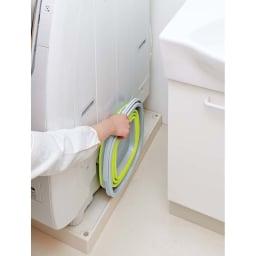 薄くたためるバケツ 10リットル 洗濯機横のスペースにもすっぽり入ります。