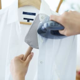 スチーム専用 襟・袖ラクラクハンディアイロン ボタン周りに