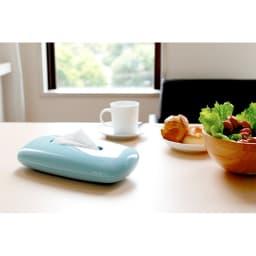 PLYS  樹脂製ティッシュボックス 市販のティッシュが簡単に詰め替えられ、丸みのあるデザインとつややかな光沢感でどんなお部屋にも似合います。