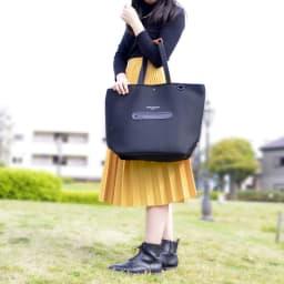 ノムデボーテ 保冷機能付き  トートバッグ どんな服装にも合わせやすい保冷機能付きのお買い物バッグ