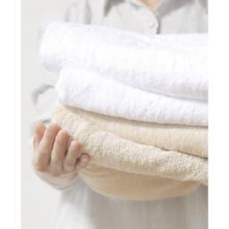 吸水ボリュームタオル 吸水性に優れ、お風呂上がりの水分を素早く吸収します