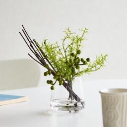 マジックウォーターグラスグリーン 小 葉のグラデーションがリアル感を演出し、まるで本物のような美しい表情を見せます。