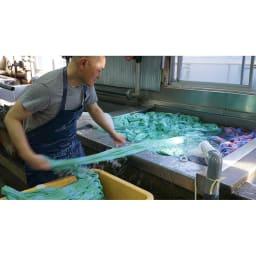 季ノ布 麻のシャリ感 風薫る皐月シリーズ 洗える麻肌掛けふとん シングルサイズ 工程(2)一本水洗い
