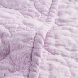 パシーマ(R)EX(先染めタイプ)シリーズ 限定色パープル キルトケット シングル 先染めタイプはこだわりのピンストライプ×無地のリバーシブル仕様。糸自体が染められているので経糸と横糸のミックス感で、深みのある色合いが美しい仕上がりです。