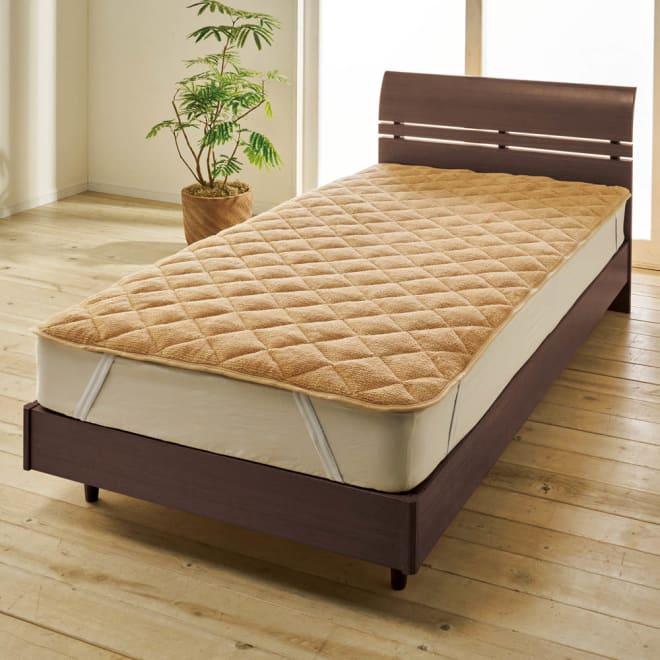 ロマンス岩盤浴シリーズ ボア敷きパッド (イ)ベージュ 敷きパッド 遠赤外線効果で背中や腰をじんわりと温めます。