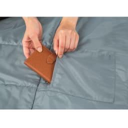 クッション型多機能寝袋SONAENO 貴重品ポケットは25cm×17cmで財布も入るサイズ