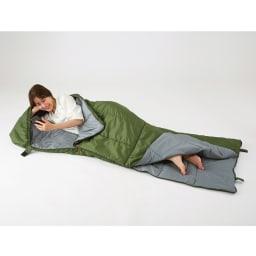 クッション型多機能寝袋SONAENO 側面・底面が別々に開けられるWファスナー式。季節や気温に合わせて快適に使える