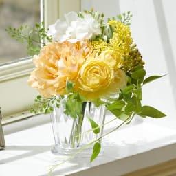 PRIMAメルシーブーケ イエローオレンジ系 束ねた状態でラッピングされているので外してそのまま花瓶に活けて楽しんでいただけます
