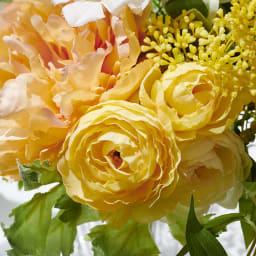 PRIMAメルシーブーケ イエローオレンジ系 花材の一番美しい状態で長く楽しめるのはアーティフィシャルフラワーならでは
