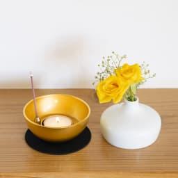 Sotto チェリング(香立て・火立て・花立て) 上の部分を外すと、灯立て、またお香を立てるマグネット式の香立てが出てきます