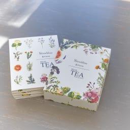 ミニリースとハーブティー入浴剤のセット 6種の入浴剤がギフトブック型の箱に入っています