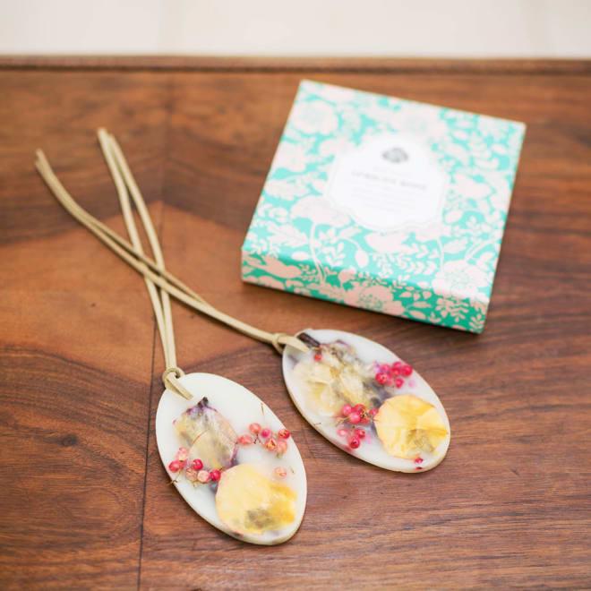 ROSY RINGS ボタニカルサシェ アプリコット アプリコットとプラムのフルーティな甘い香りがお部屋いっぱいに広がります。