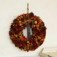木の実で作ったハロウィンリース