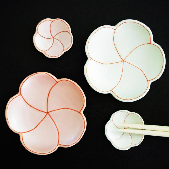 有田焼 梅箸置き&豆皿紅白セット 梅型の紅白皿と箸置きのセット