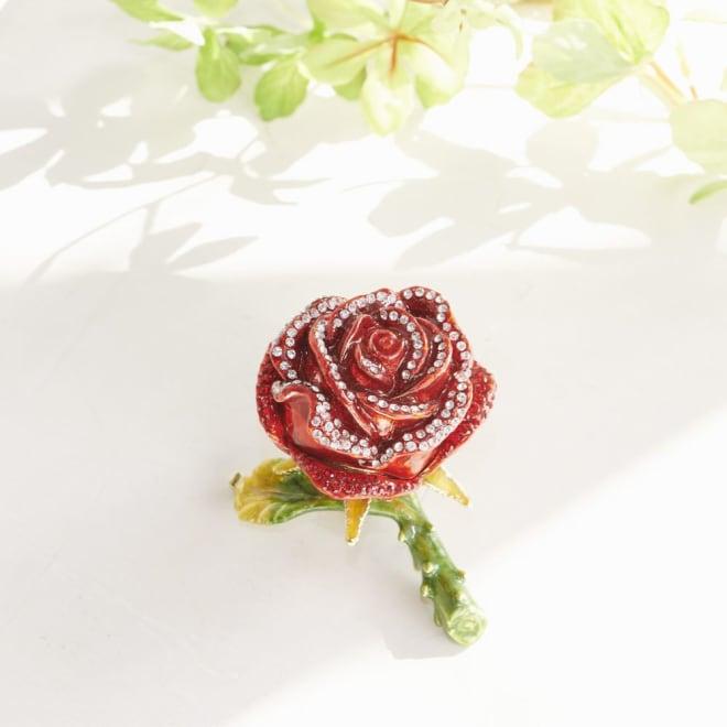 ジュエリーケース バラ クリスタルガラスのパーツがついてキラキラと豪華なローズのジュエリーケースです!