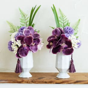 PRIMAタッセル付供花ホワイトパープル 写真