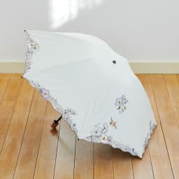 晴雨兼用 二重張り折り畳み日傘 芙蓉 芙蓉の繊細な刺しゅうの美しい折り畳み日傘 (ア)オフホワイト