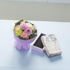 宇野千代のお線香「淡墨の桜」とそのまま飾れるブーケセット