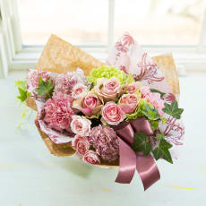 【母の日ギフト】日比谷花壇デザインコラボアレンジメント「ロゼベージュ」