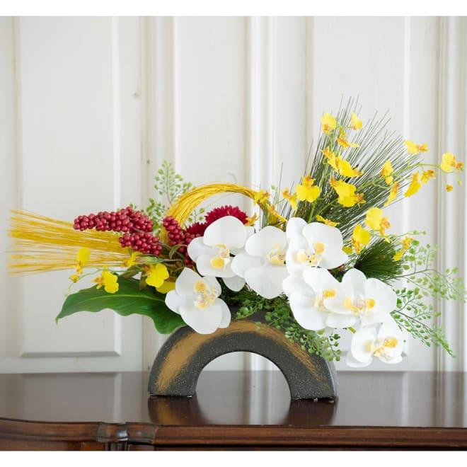 迎春 胡蝶蘭大鉢アレンジメント 胡蝶蘭が入り、豪華なお正月の迎え花アレンジ