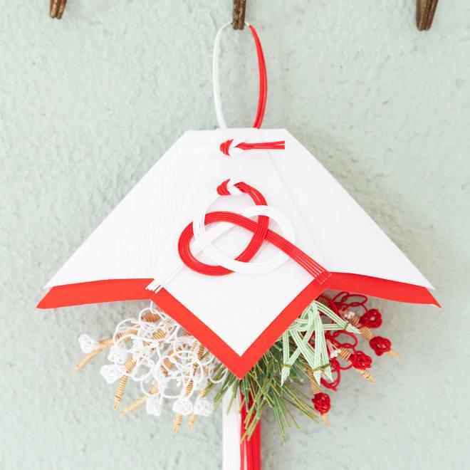 水引 掛蓬莱 平安時代から伝わる正月飾り、掛蓬莱を和紙で作りました