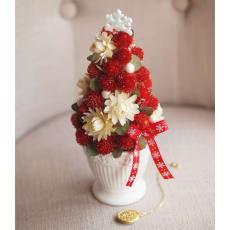 ドライ素材のクリスマスツリー「ストロベリーツリー」